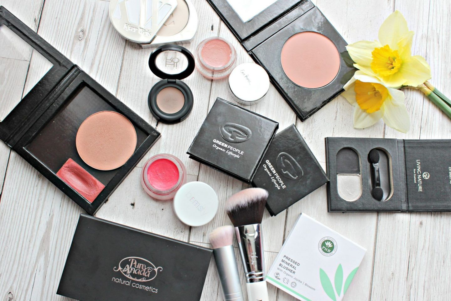 Zero waste makeup Natural brands who offer refillable