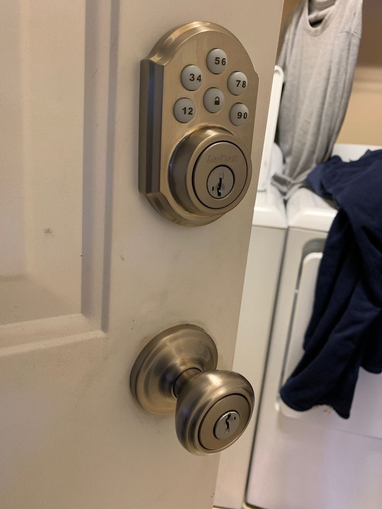 919 752 7557 Rekeying Locks Lock Rekey Services In Raleigh Locksmith Locksmith Services Change Locks