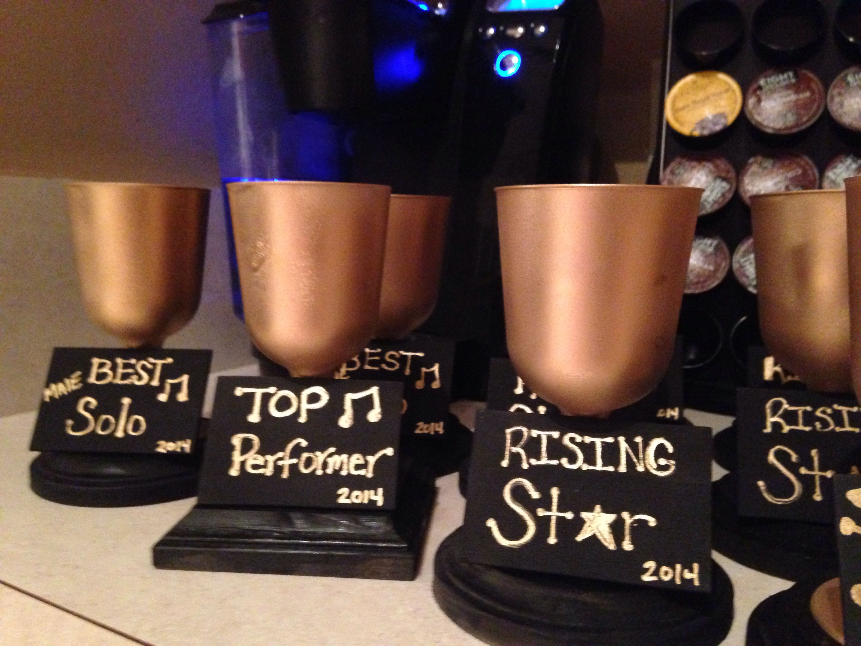 Diy Trophies Dollar Store Use A Wooden Plaque For The