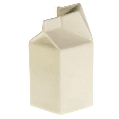 Pichet à lait en porcelaine blanc façon Pack carton Seletti