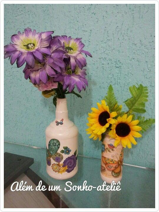 Embalagens de vidro transformados em vasos lindos! #reaproveitandoembalagens #reuse #recicle #recrie #diy #vidros #decoupage