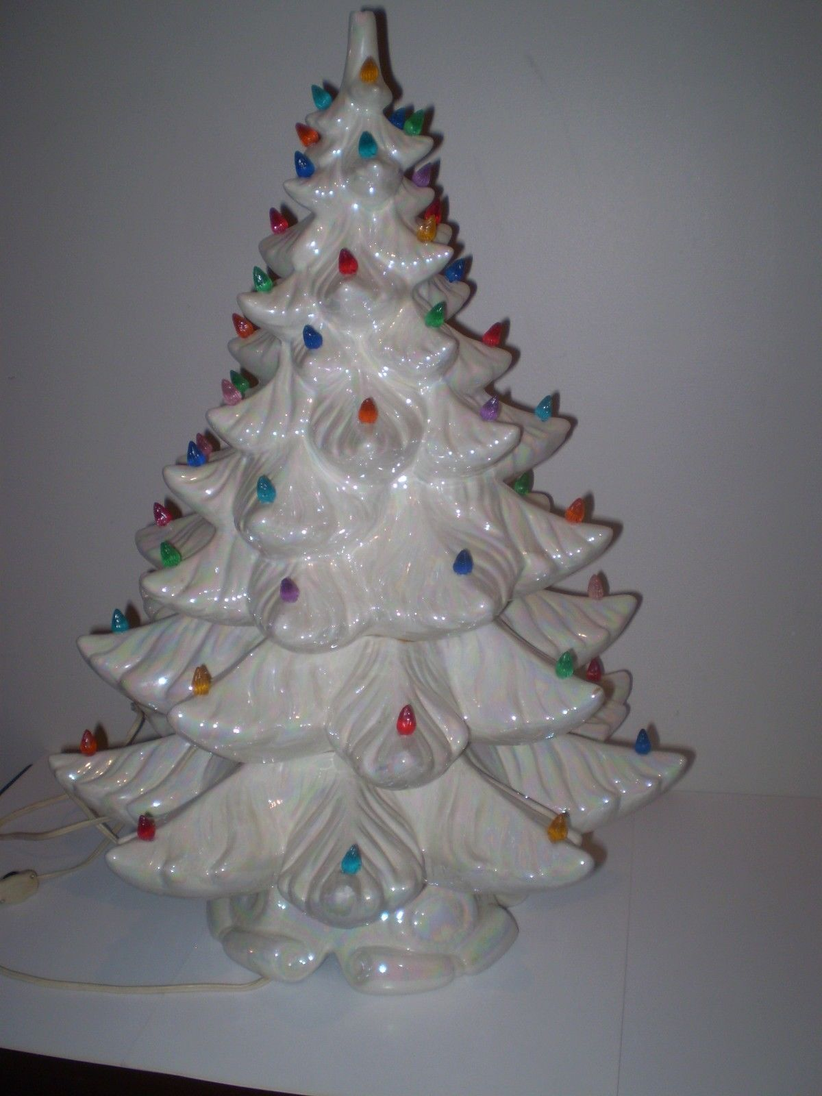 """Details about Vintage 16"""" White & Mother Of Pearl Ceramic"""