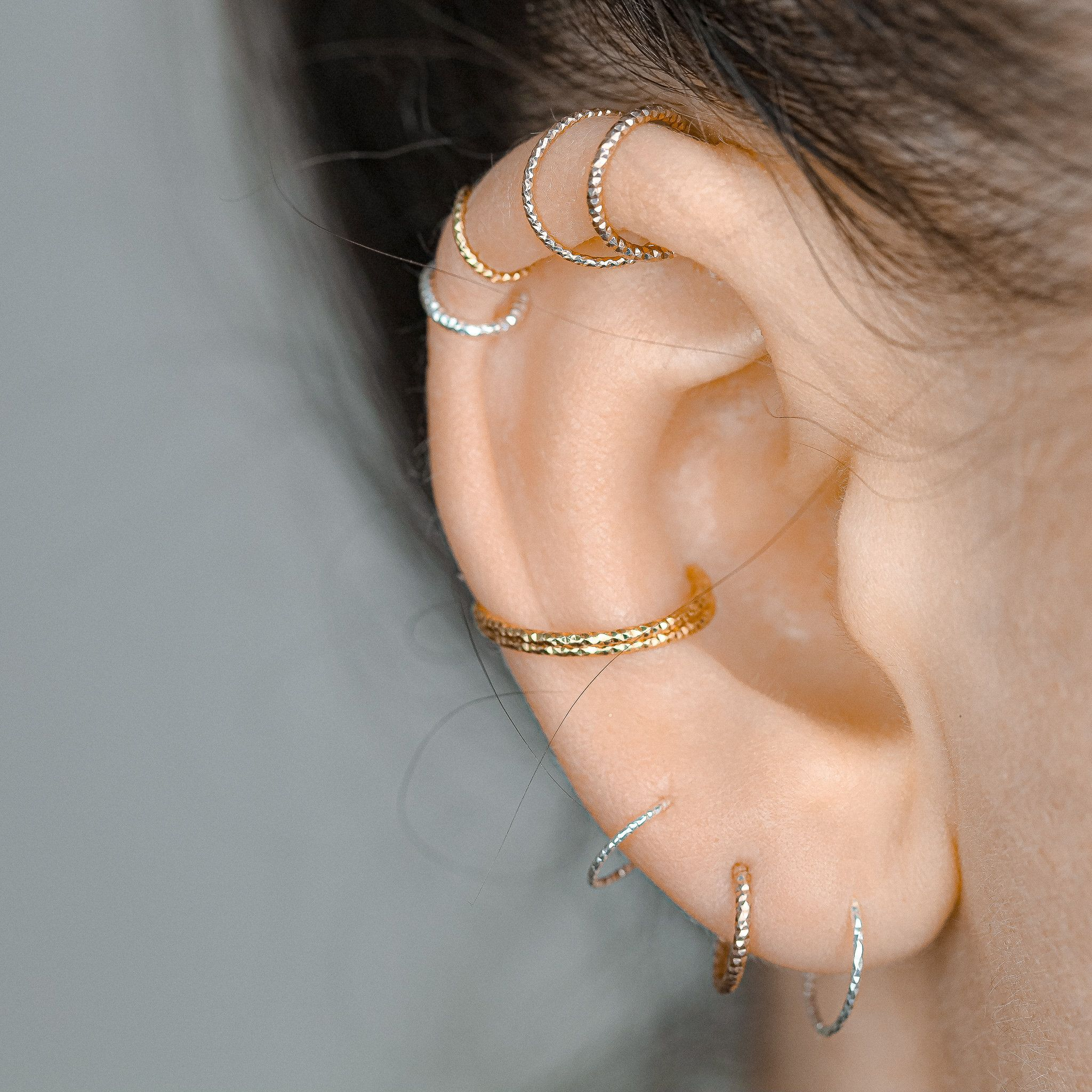 Tiny 925 Sterling Silver Cat 20G Cartilage Earring 8mm Cat Earring Silver Cats Helix Hoop piercing Jewelry