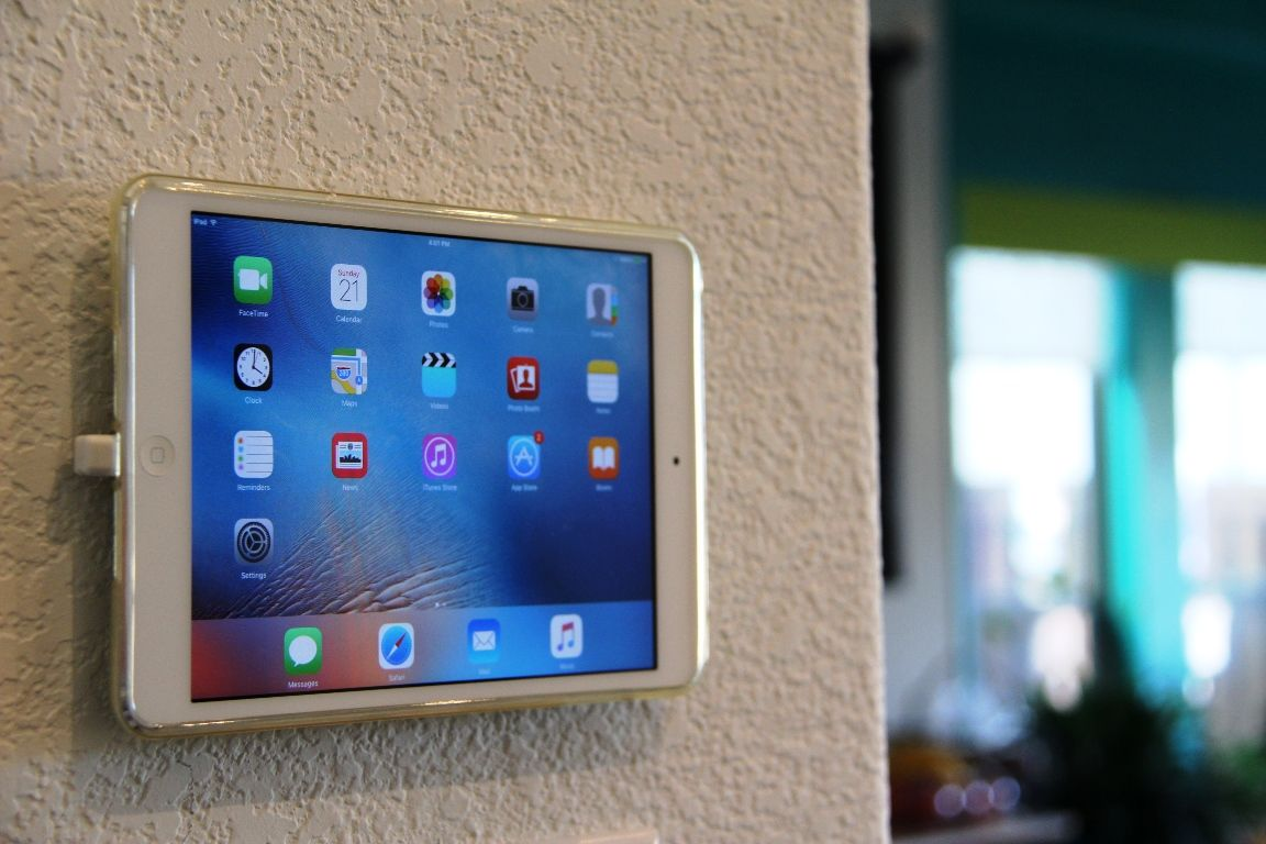 Diy Wall Mounted Smart Home Controller Ipad In 2021 Smart Home Ipad Wall Mount Wall Tablet