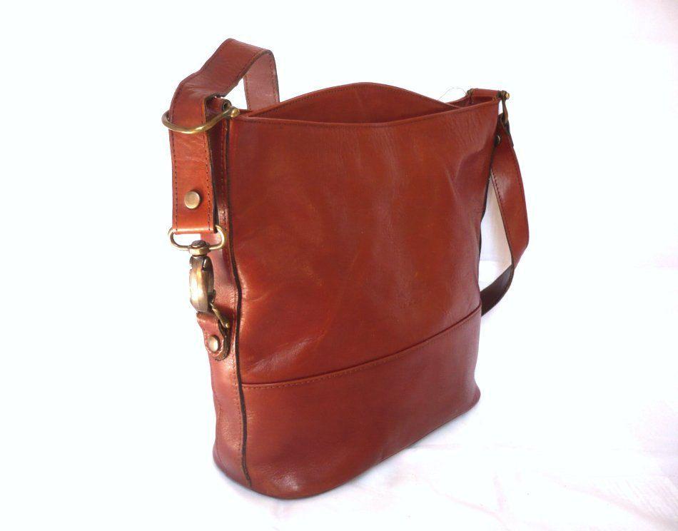 669f151ce0d3 FRANCINE French Vintage Brown Leather Shoulder Bag.  68.00