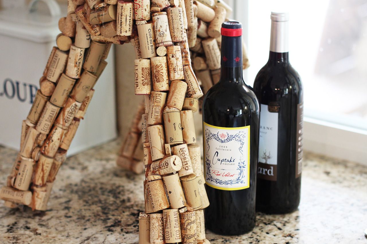 Diy wine cork sculpture art ashley hackshaw lil blue boo art diy wine cork sculpture art ashley hackshaw lil blue boo solutioingenieria Images
