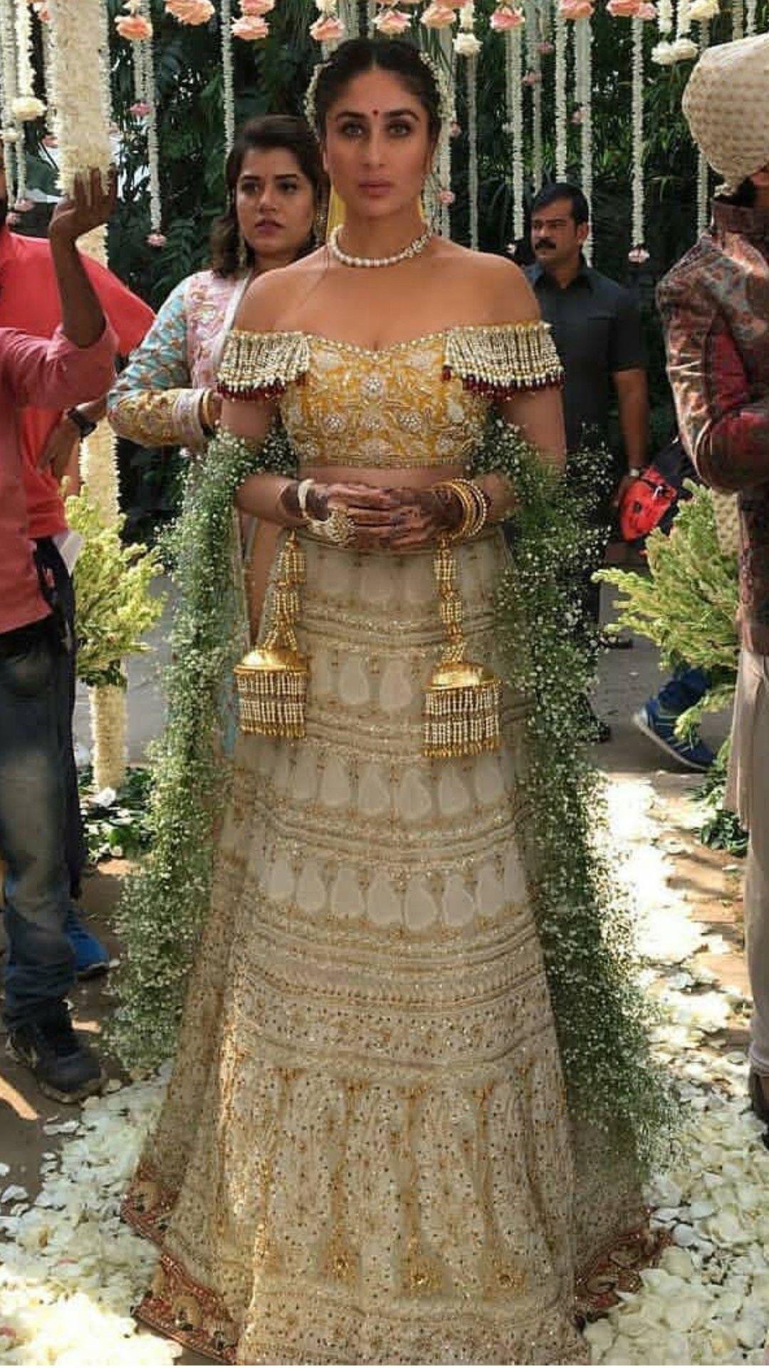 Pin By Adithihegde On Kareena Kapoor Princess Indian Wedding Fashion Indian Wedding Gowns Indian Bridal Dress