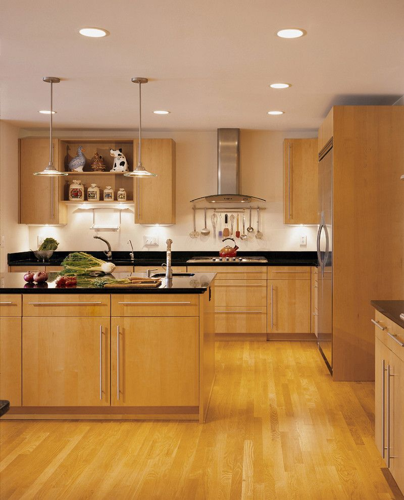Modern Maple Cabinets With Dark Wood Floor: Maple Cabinets With Black Granite Countertops Contemporary