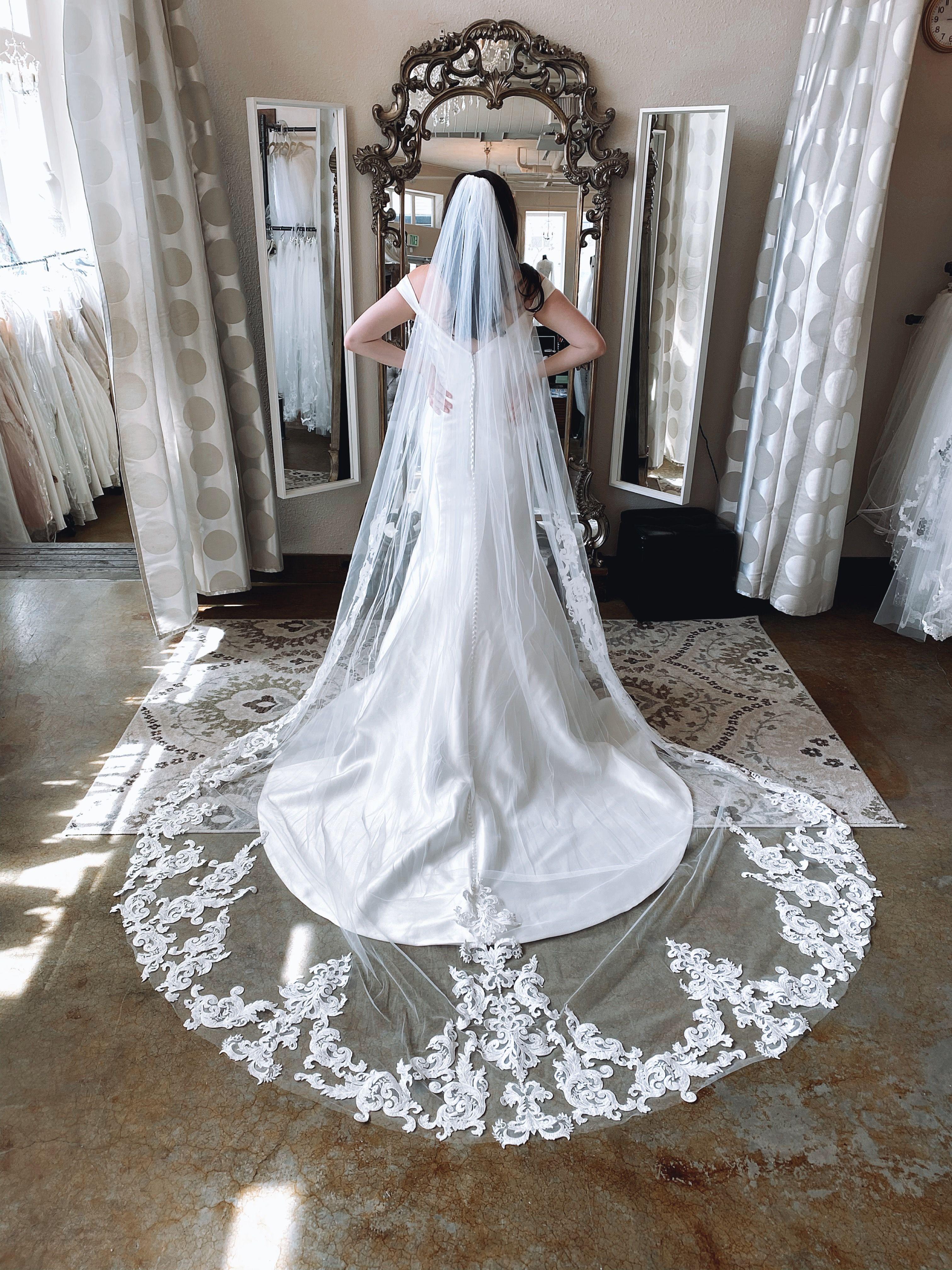 Tuscany Veil Wedding Dresses Designer Wedding Dresses Wedding [ 4032 x 3024 Pixel ]