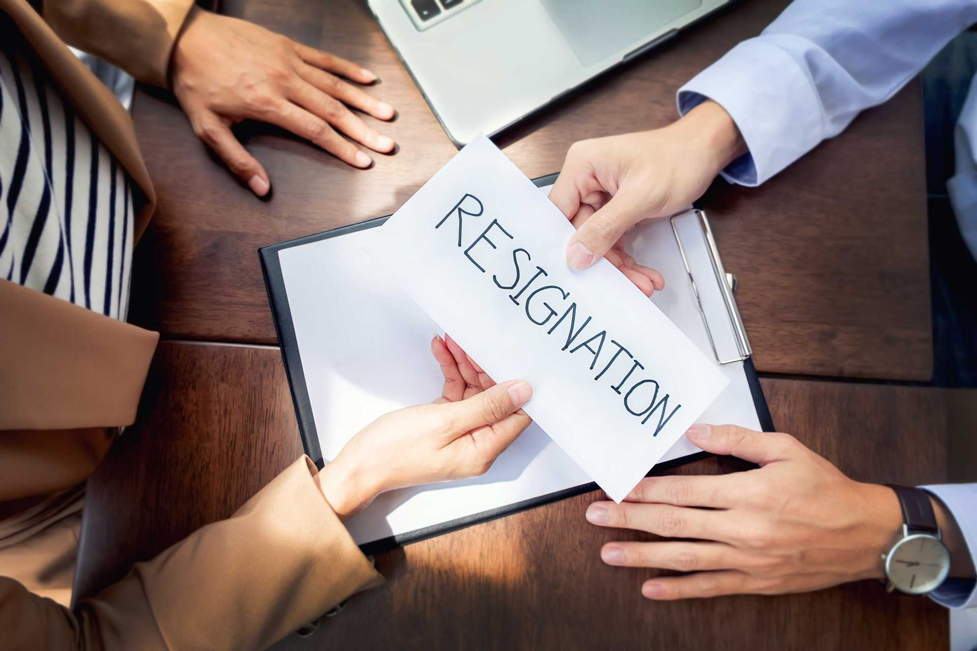 How To Know If It S Time To Quit Your Job Jack Welch Mba Good Employee Resignation Resignation Letter