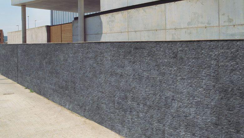 Piezas cer micas imitaci n piedra pizarra en el dise o de for Ceramica para fachadas exteriores