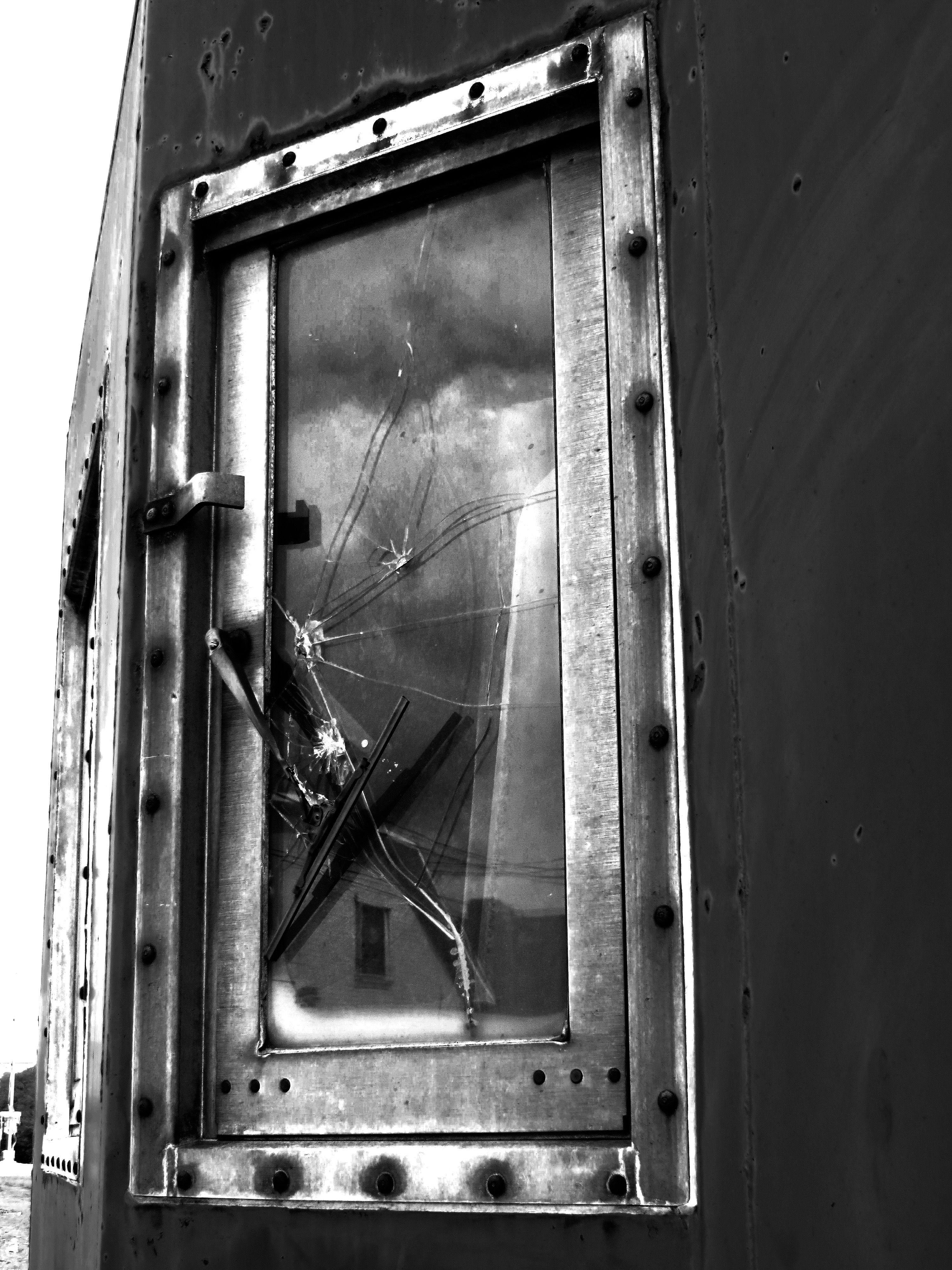 Shattered Railroad Window Kernersville Nc Shatter Photo Forensics