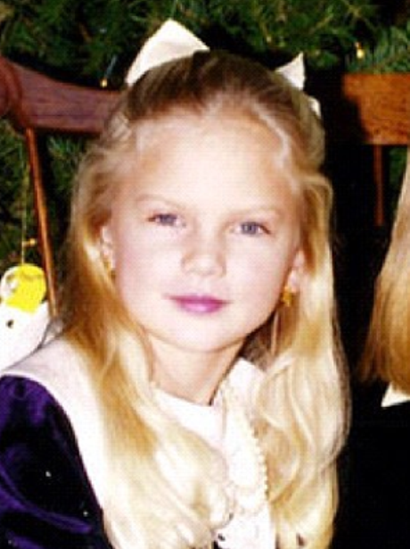 Guess Who Picture Galleries Capital Fm Taylor Swift Childhood Young Taylor Swift Photos Of Taylor Swift