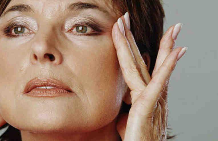 Картинки по запросу Два домашних средства для кожи лица, которые стимулируют выработку коллагена и эластина. Вы забудете о морщинах!