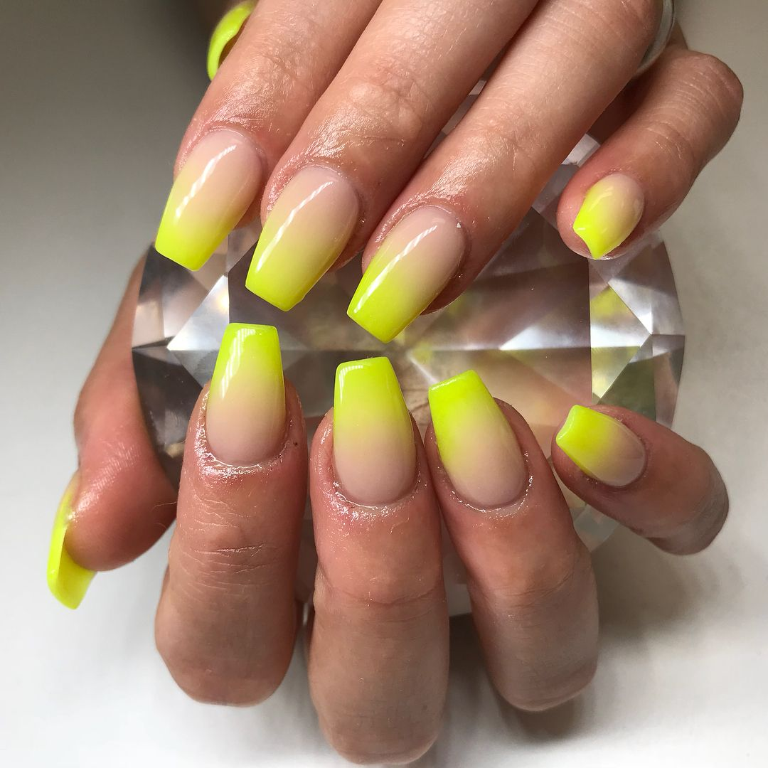Pin By Marisolznails On Nails With Images Neon Yellow Nails