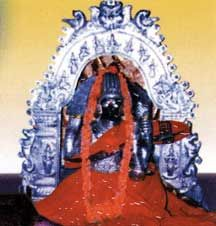 here is a temple of Annapurna mata. In the sanctum we can see Lord Shiva in the form of a beautiful Shivaling. Shivaling in this temple is small unlike in other Pancharamas. There is a speciality in this temple ie. Shivaling will change its color according to Lunar aspect. At the time of Pournami (Full Moon nights) shivaling will be in white color and in Amavasya days (Dark nights) it's color shades black.