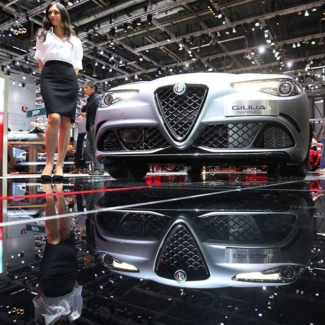 "Alfa Romeo Giulia Quadrifoglio ""NRING"" 2019 Italiana Exibe"