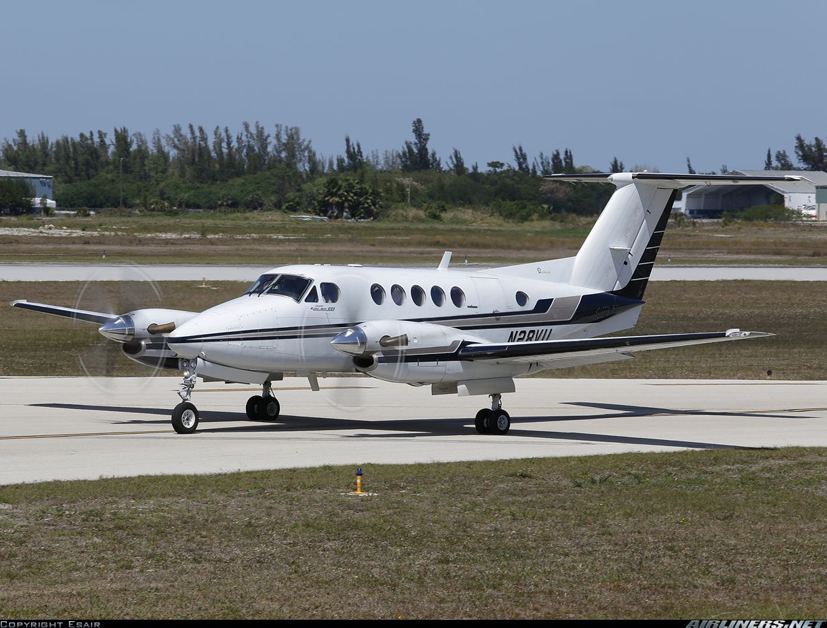 Beech 200 Super King Air aircraft picture Aircraft