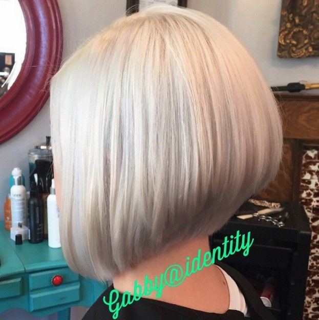 short stacked blonde bob haircut for fine hair