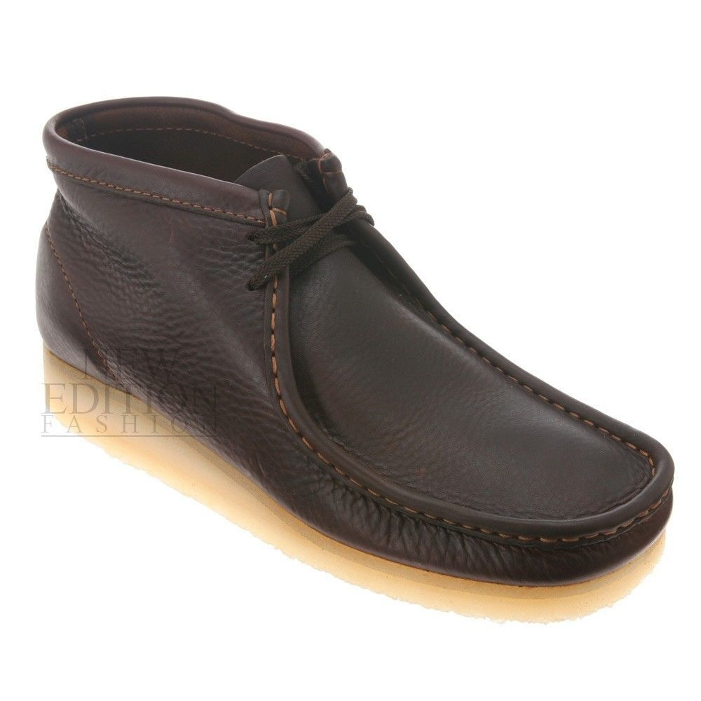 8caab852c3 Clarks Originals Men's Wallabee Boot Core Premium Leather Style 35422 Brown  Oily