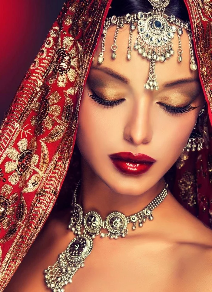 Top #51 Beautiful Maang Tikka Designs For Your Own D-Day!   Indian wedding hairstyles, Indian ...