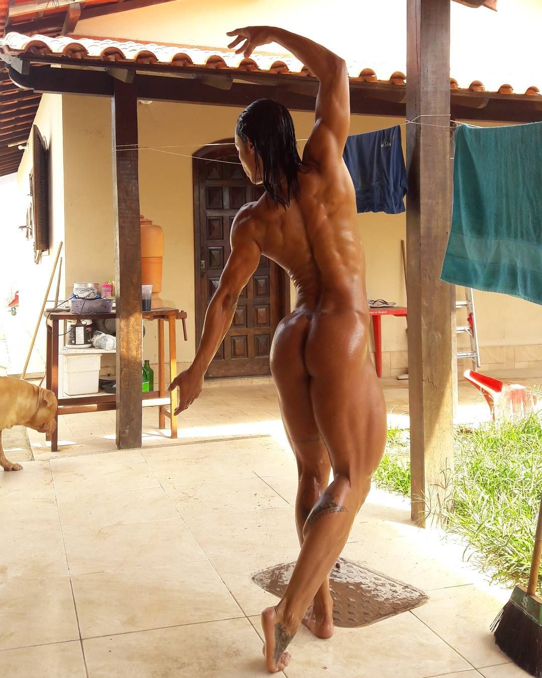 small female bodybuilders naked