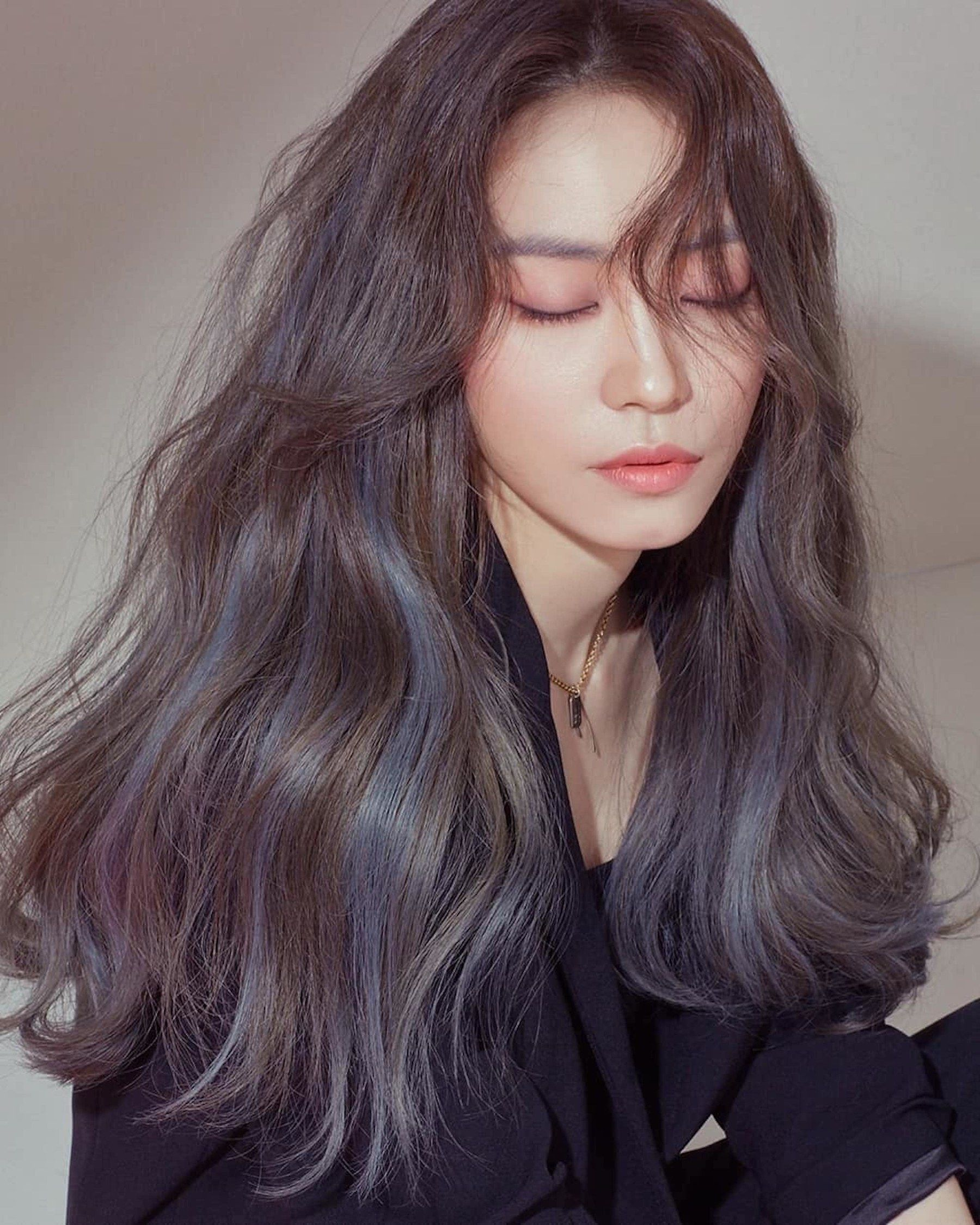 The Cherry Blossom Hair Color Trend Is Everywhere In Korea Right Now Korean Hair Color Hair Color Asian Hair Inspo Color