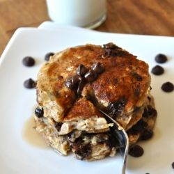 Chocolate Chip Oatmeal Cookie Pancakes - Vegan and virtually no sugar added!