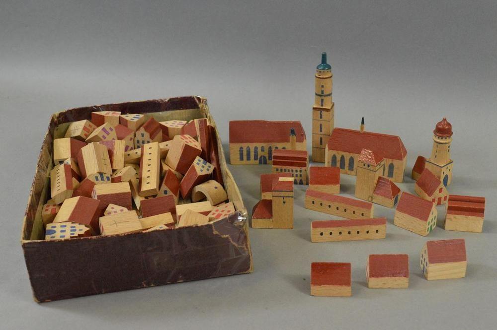 Konvolut Spielzeug Holz Figuren Häuser bemalt Wood
