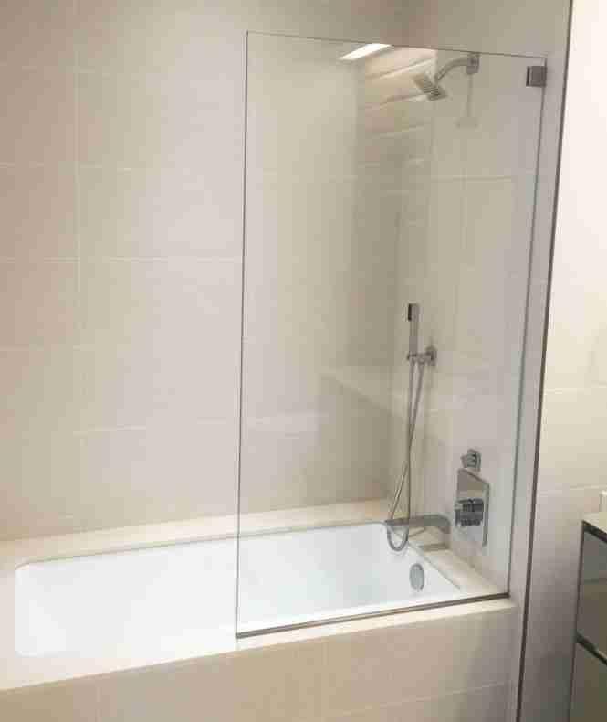 bathtub splash guard Splash guard, Bathtub, Bathrooms