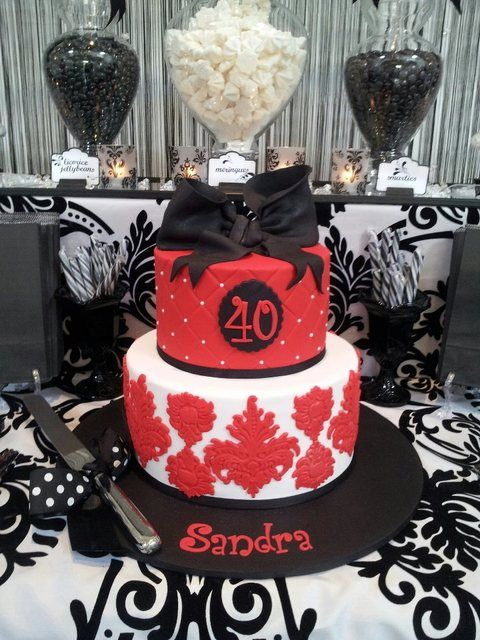 Damask Cake At A 40th Birthday Damaskcake 40thbirthday