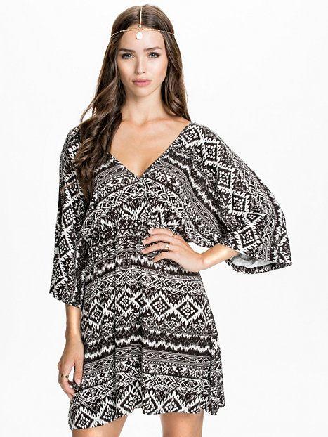 Kimonosleeve Dress - Nly Trend - Mønstret - Kjoler - Klær - Kvinne - Nelly.com