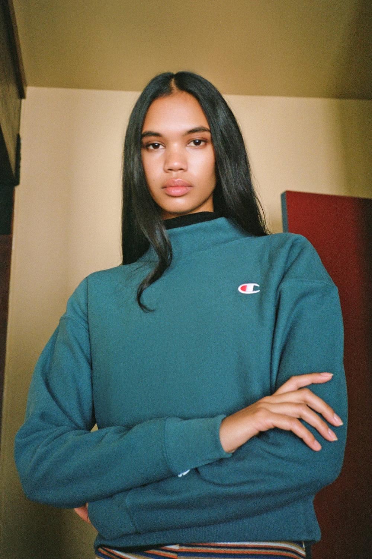 Champion Uo Exclusive Reverse Weave Mock Neck Sweatshirt Mock Neck Sweatshirt Mock Neck Sweatshirts [ 1500 x 1000 Pixel ]