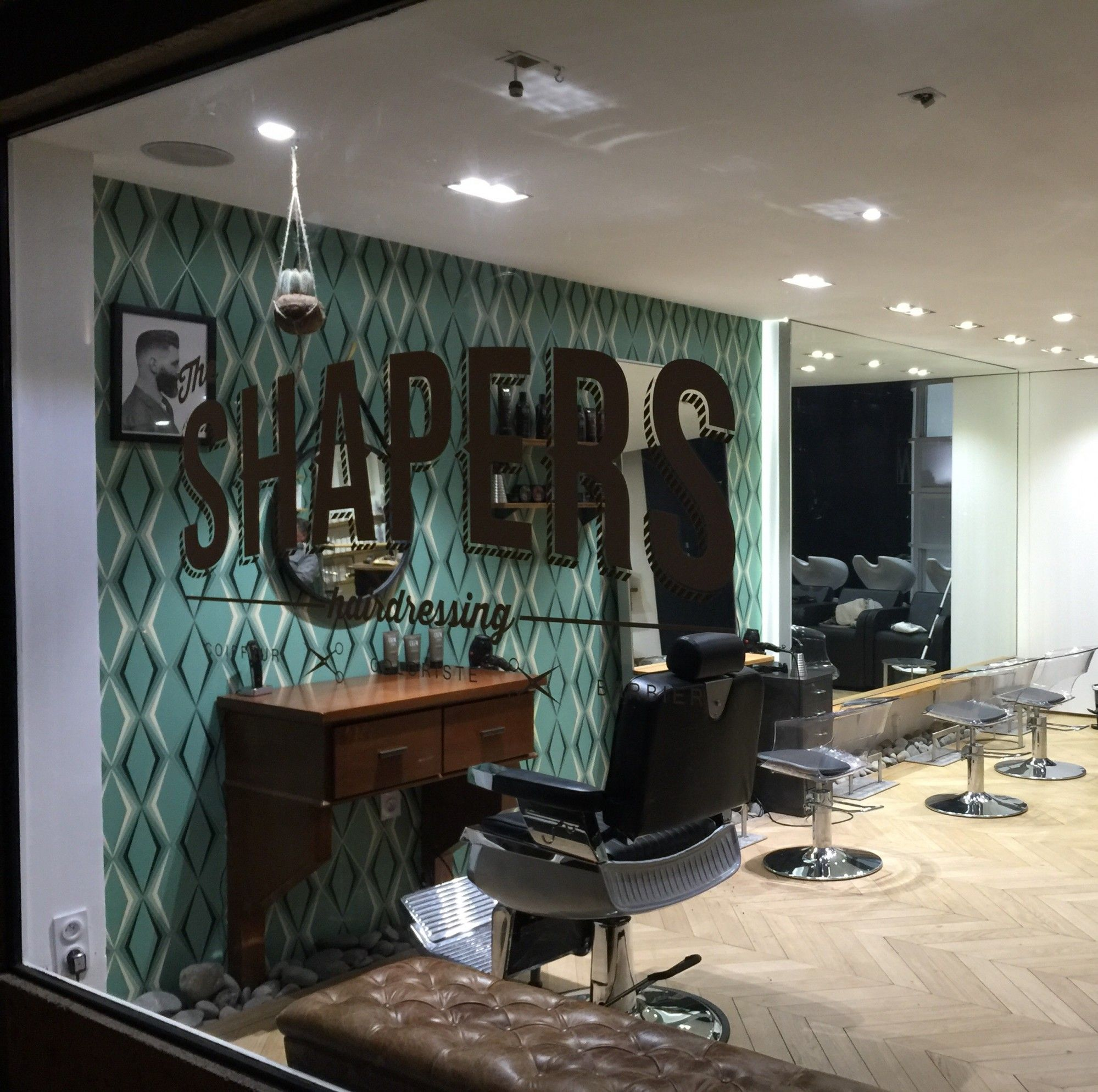 Épinglé sur salons coiffure