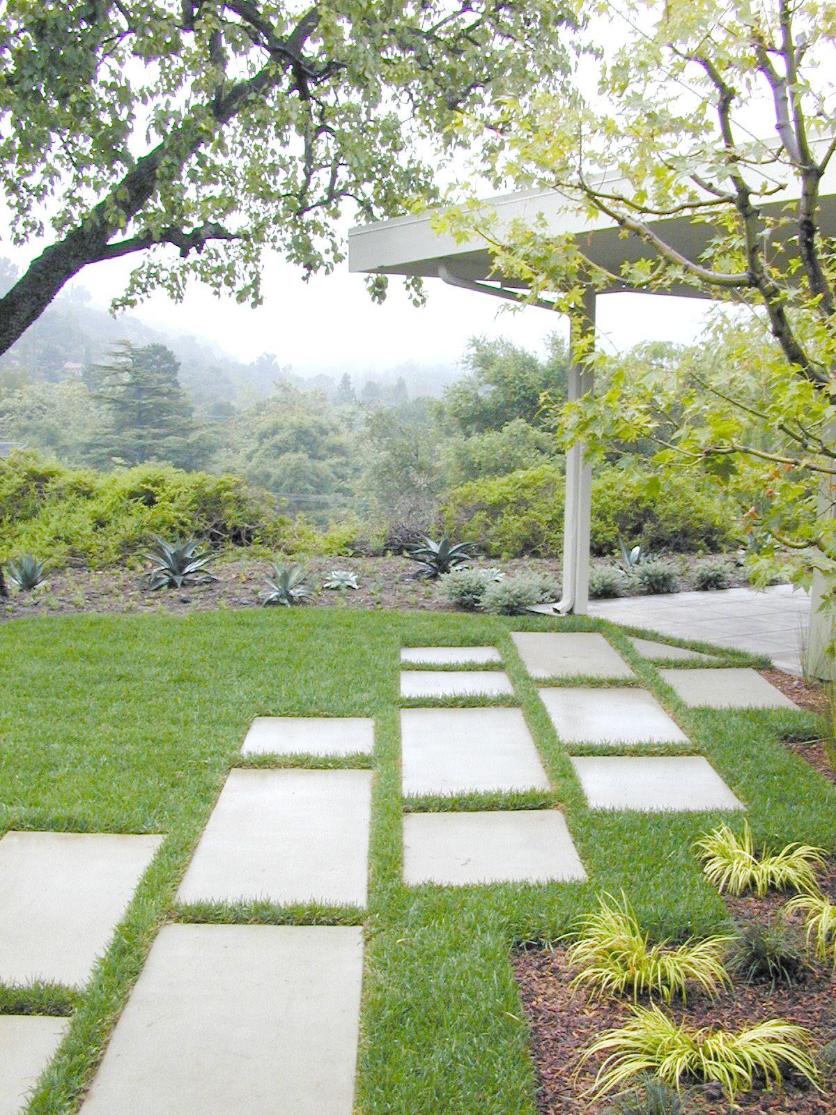 Concrete Rectangular Pavers Modern Landscaping Modern Garden Landscape Design