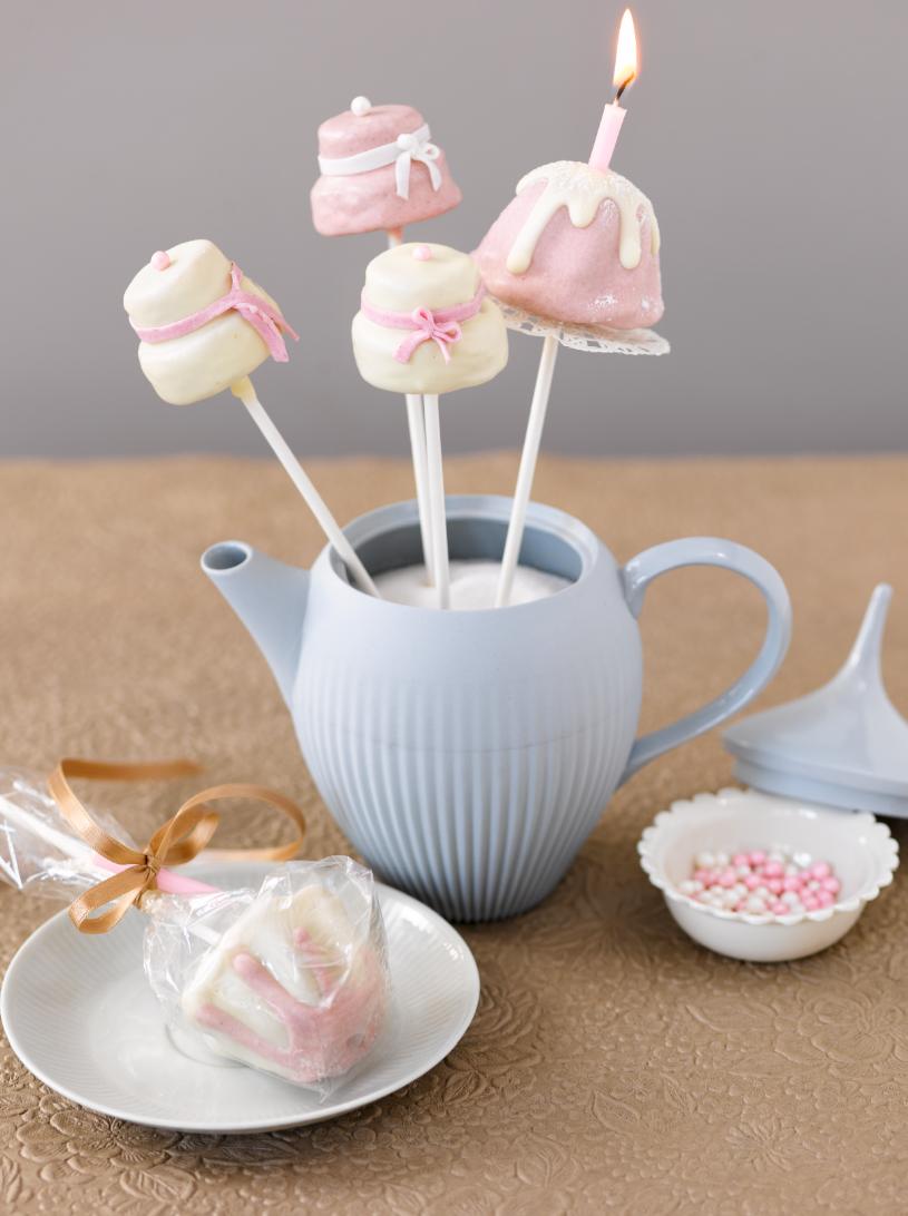 Cakepop-Törtchen (Heft: März 2013) Foto © Maike Jessen für ARD Buffet Magazin