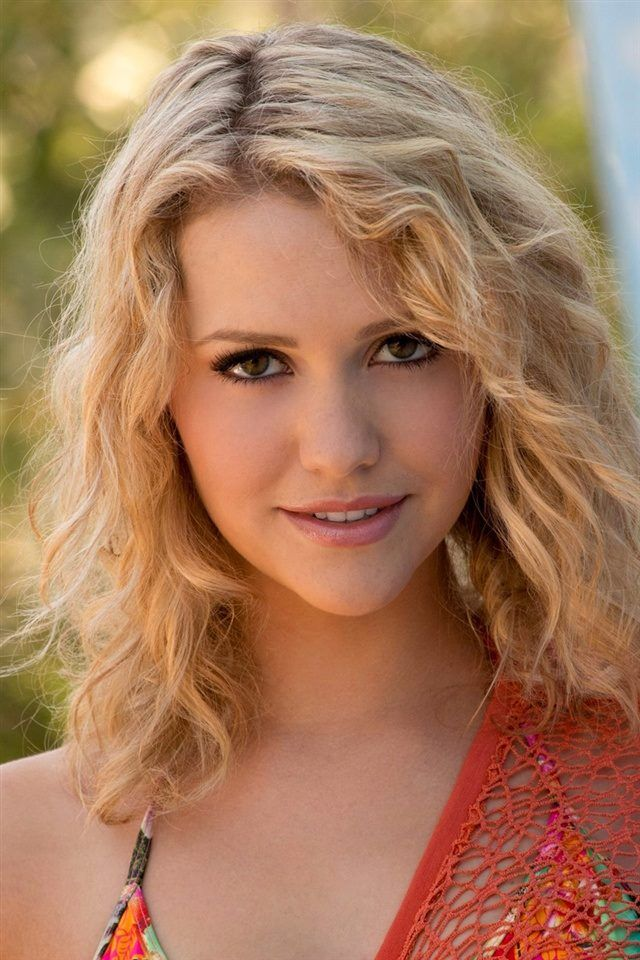 Mia Malkova Wallpapers And Photos