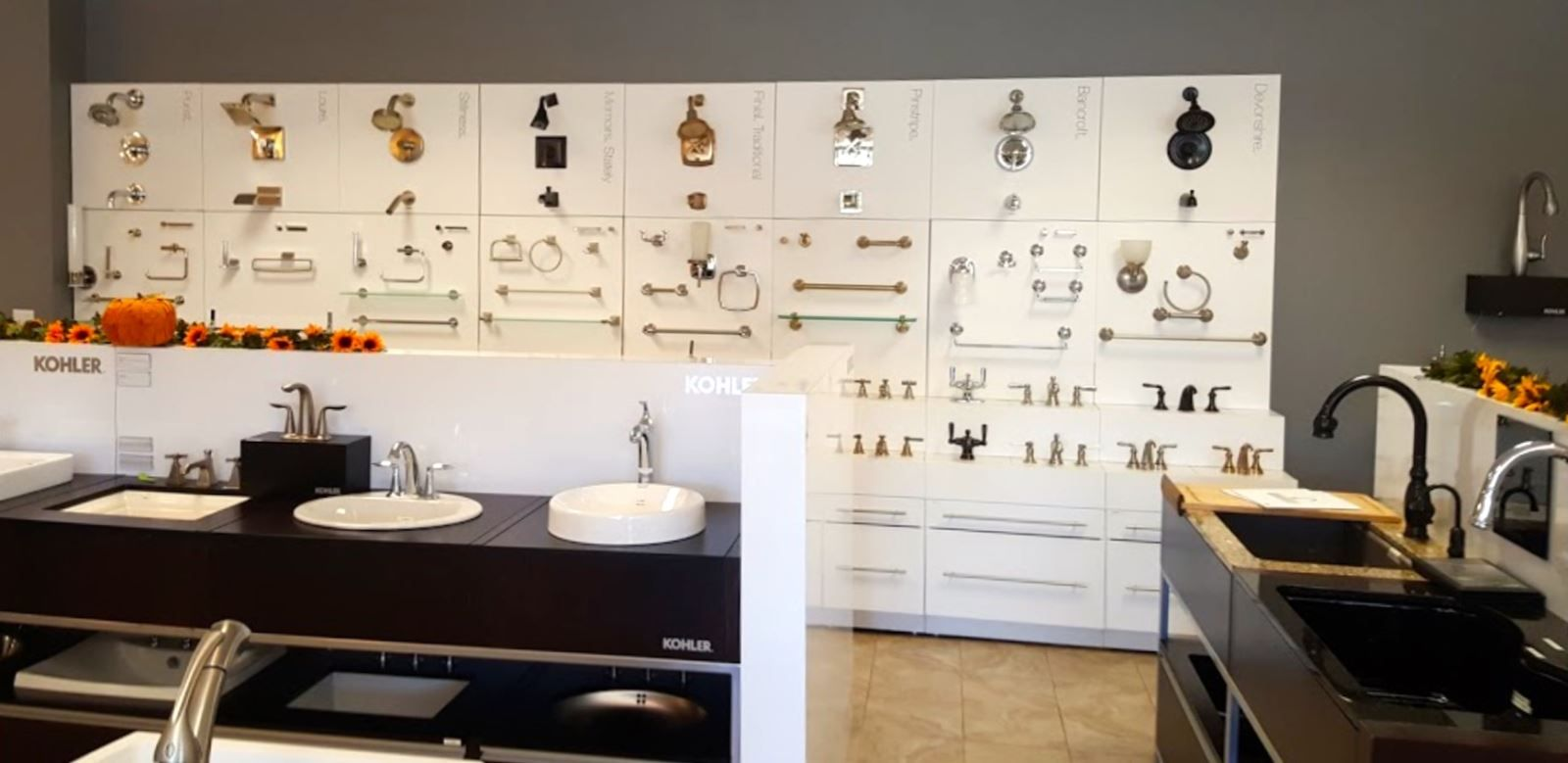 Tubs Manchester Nh Bath Store Bathroom Showrooms Bathrooms Remodel