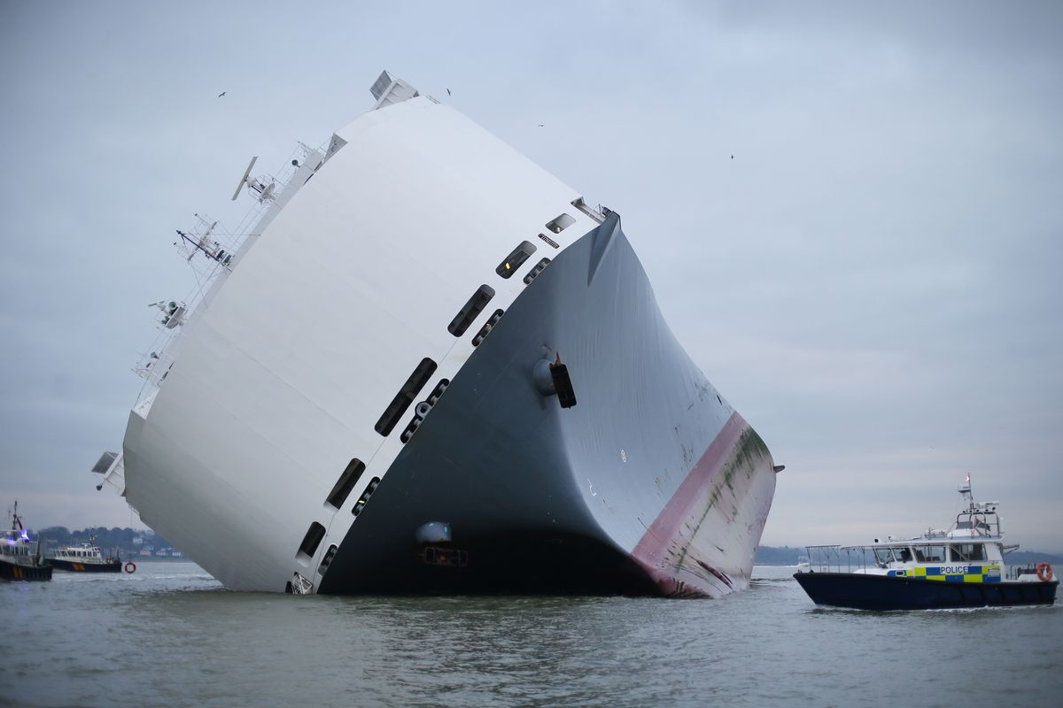 Yes This 50 000 Tonne Ship Really Is Tilting 45 Degrees