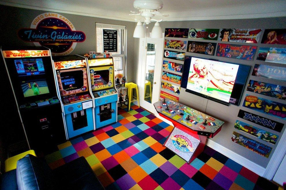 A guy turned his bedroom into a 1980s arcade and lost his for Geek bedroom ideas