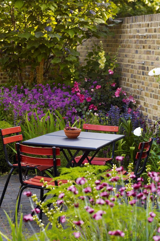 11 Small Garden Ideas To Make Your Garden Comfortable 640 x 480