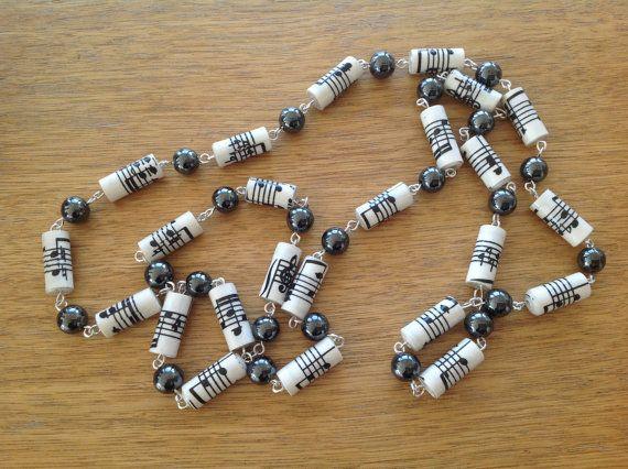 fc4259c42f23 Música notas papel collar con perlas de hematita por MagdaCrafts ...