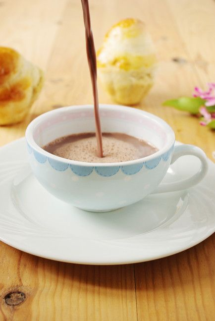 Chocolat chaud à lu0027ancienne Chocolate, Tea time and Mousse