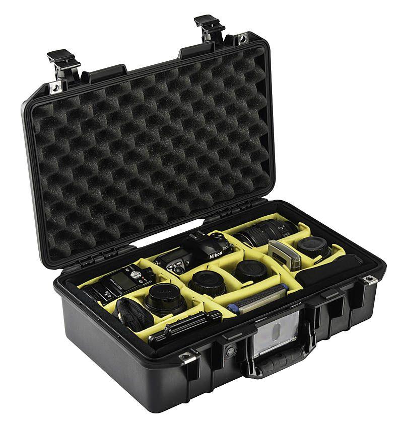 Protéger votre appareil photo, caméra et équipement avec une caisse Pelican - Transport gratuit / Protect your camera and your equipment with a Pelican case - Free shipping