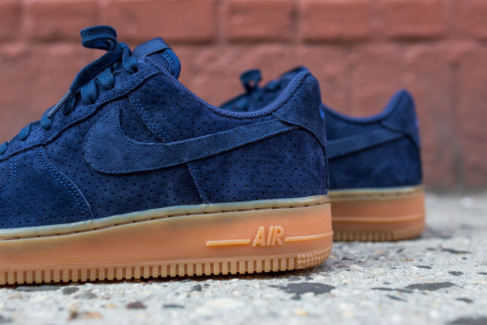 nike air force one low navy suede pumps
