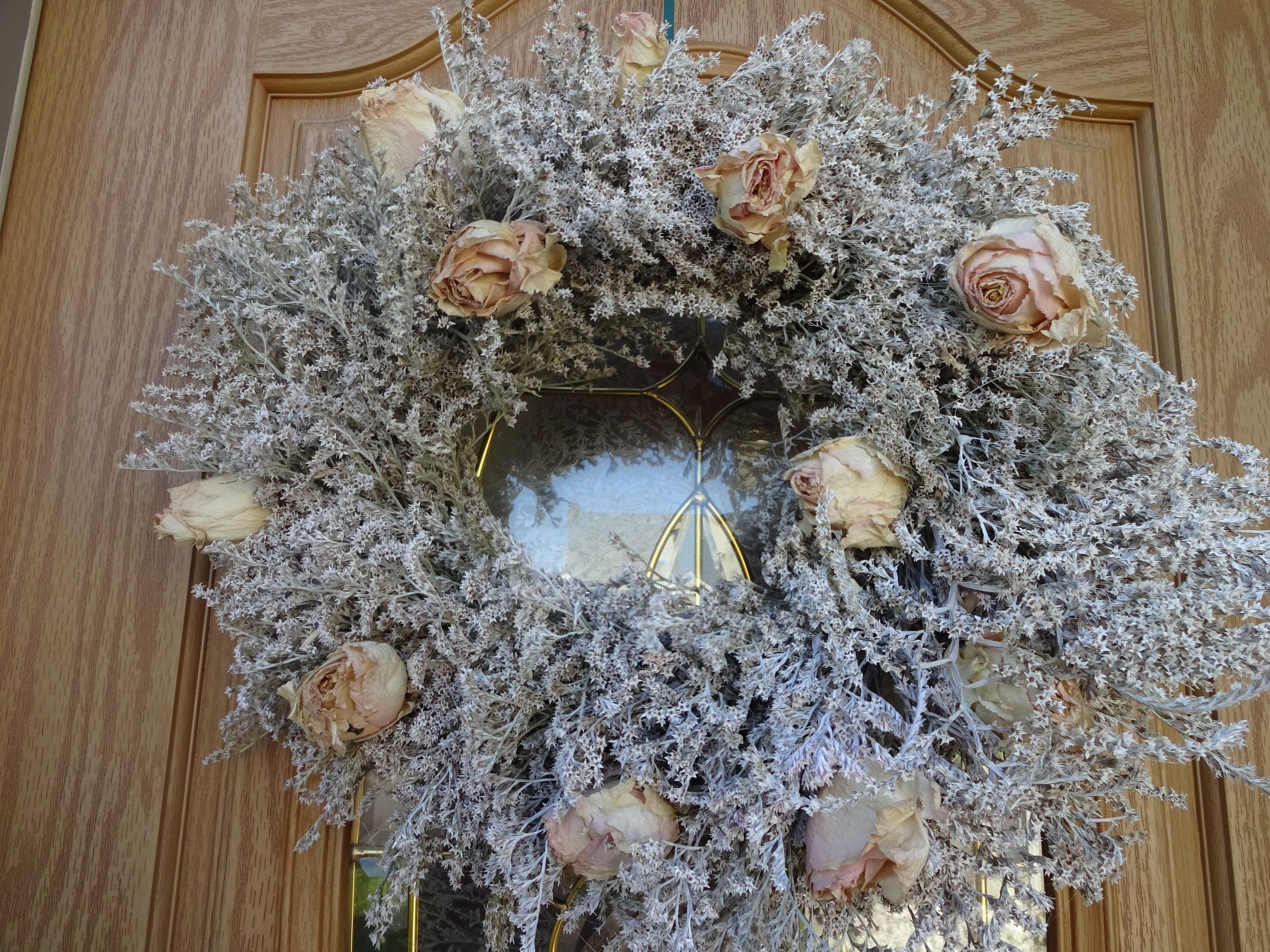 Shabby Chic White Wreath Rose