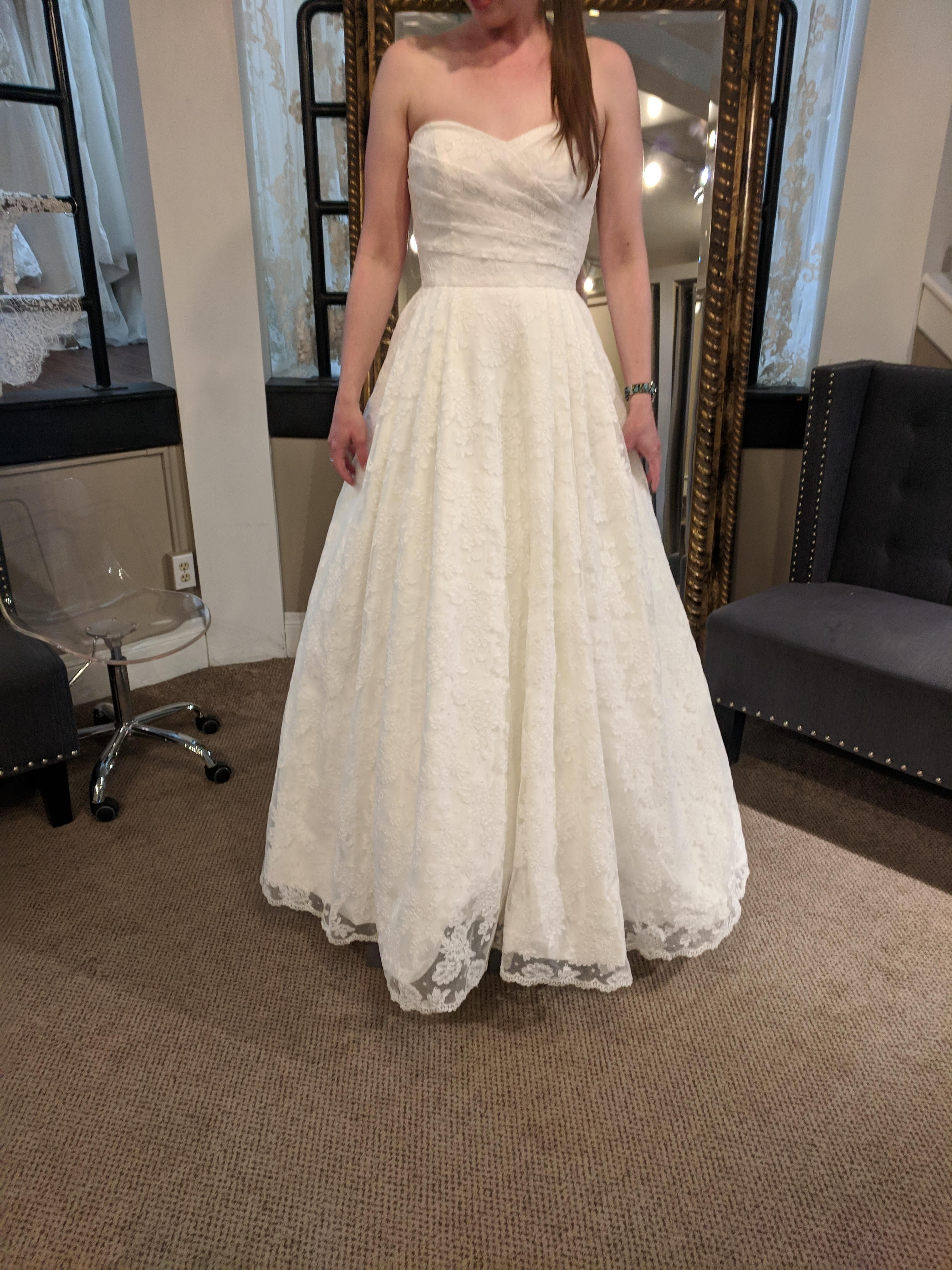 My dress came in and I am in LOVE!!! | Wedding Registry