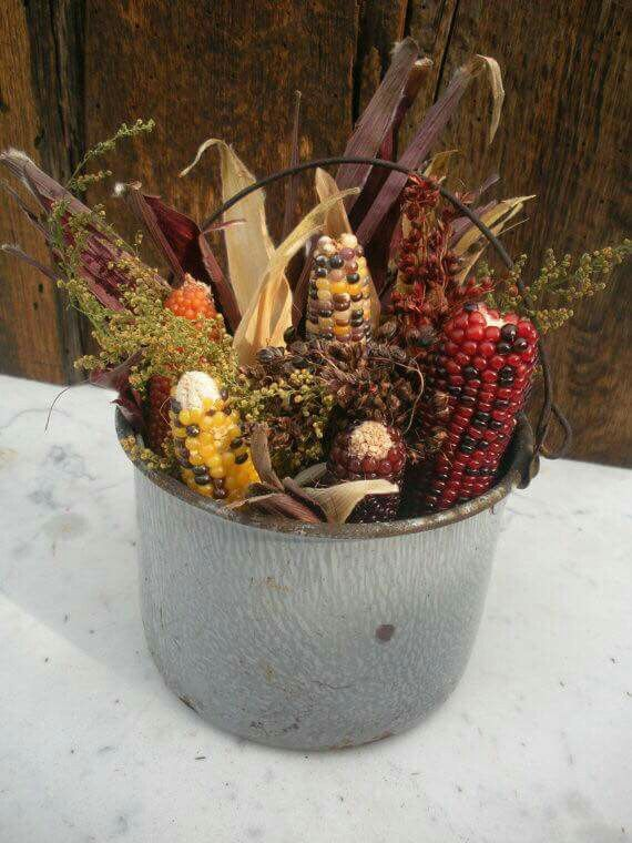 Pin by 💜İrène Bassil💜 on Pinecones♧ and İndian corn♧ Pinterest - halloween fall decorating ideas