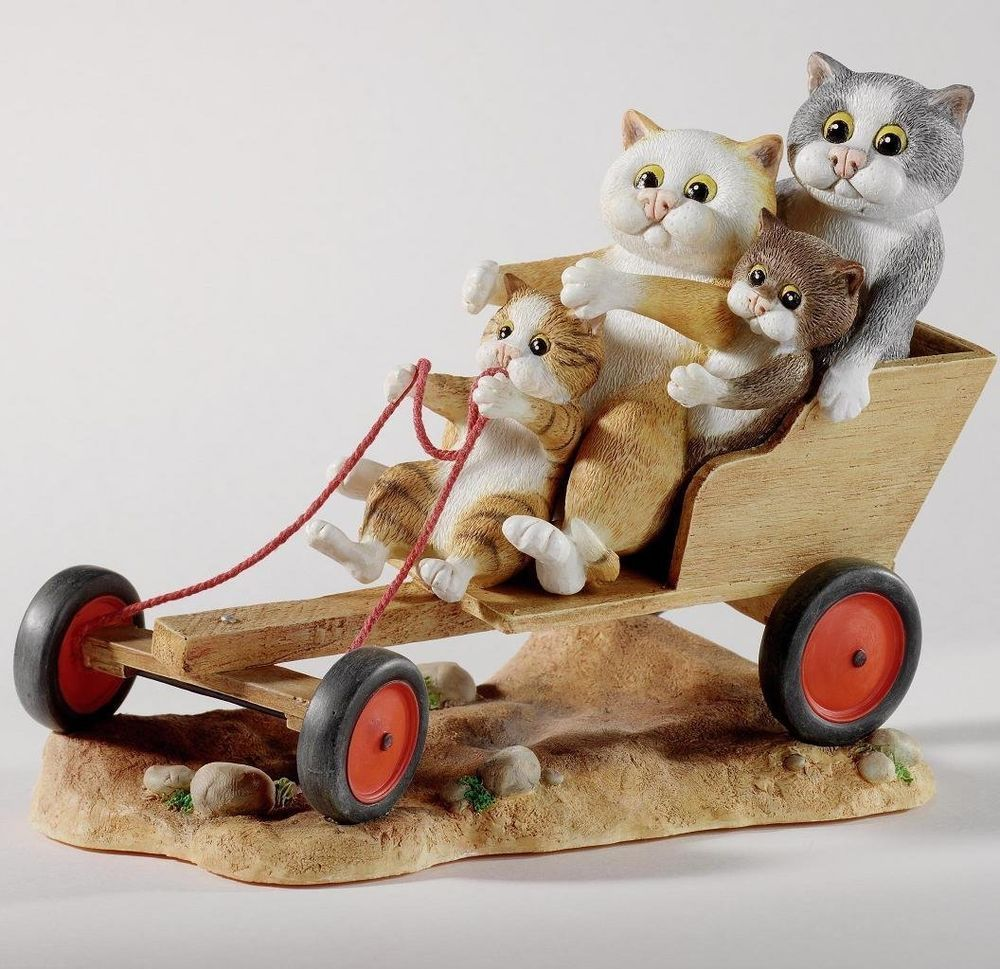 Comic & Curious Cats A22913 GoKarting Annual Figurine