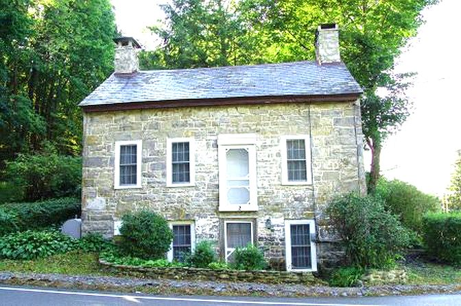 Old Stone Cottage Blairstown New Jersey Moravian Architecture Old Stone Home Old Stone House Colonial Home In 2020 Stone Houses Old Stone Houses Historic Homes